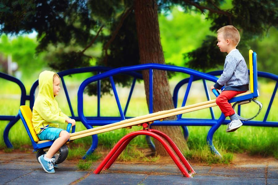 Liten gynge til små barn