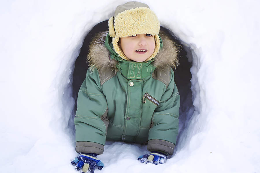 Lage snøhule - Vinteraktivitet i hagen