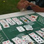Slik spiller du kortspill utendørs